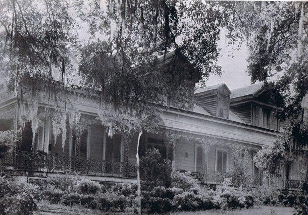 "Laughlin, ""The Dark Lady"" (1946-47); Myrtles Plantation"