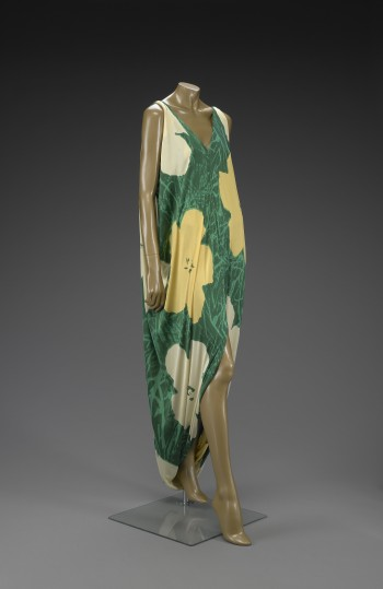 Halston, Evening dress with print based on Warhol's Flowers painting 1964–72, Silk knit, courtesy of the Indianapolis Museum of Art
