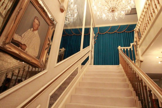 Elvis' stairway to heaven at Graceland (all images by the talented photographer Marion)