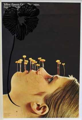 Aïda Ruilova, Yellow Flowers. Grave. Procession., 2015. Paper and velvet