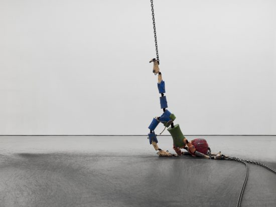 Giving up as represented by Jordan Wolfson's Colored sculpture, 2016. Mixed media, overall dimensions vary with each installation. Courtesy Sadie Coles HQ, London and David Zwirner, New York.